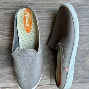SOFTINOS Leather Mules